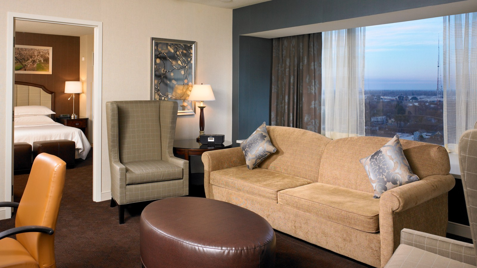 Sheraton Grand Sacramento Hotel  – Deluxe Bay Window Suite