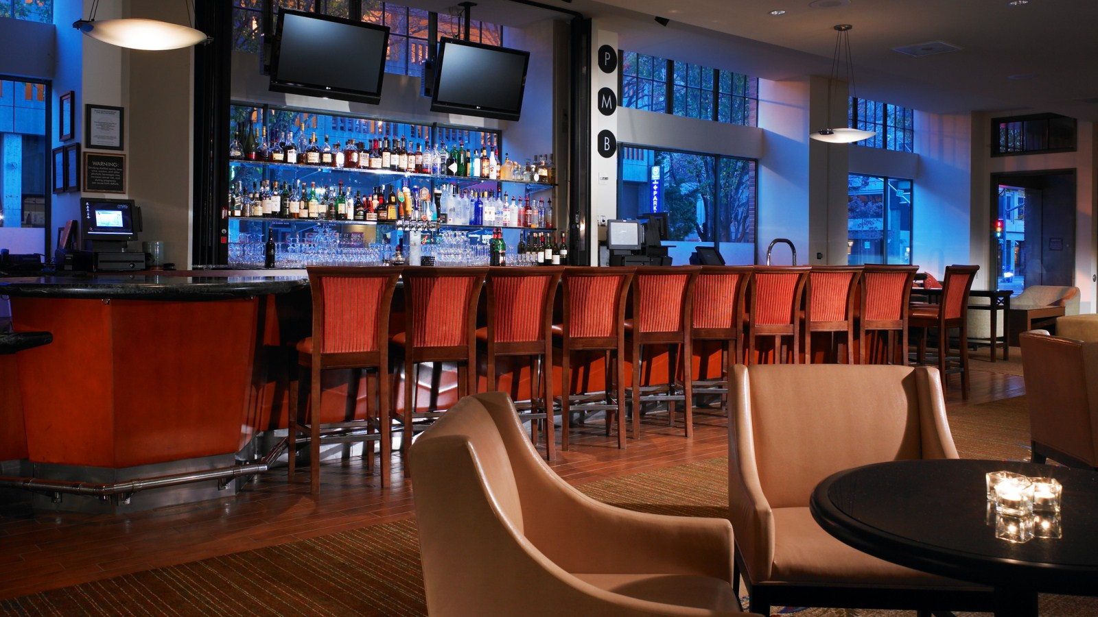 Sheraton Grand Sacramento Hotel | Public Marketing Bar