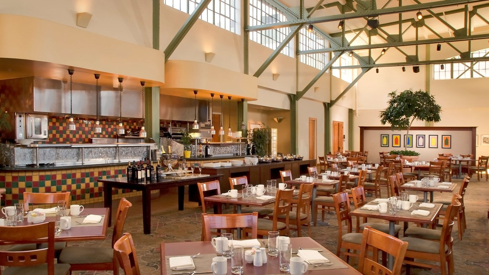 Sacramento Hotel Features - Morgan's Restaurant