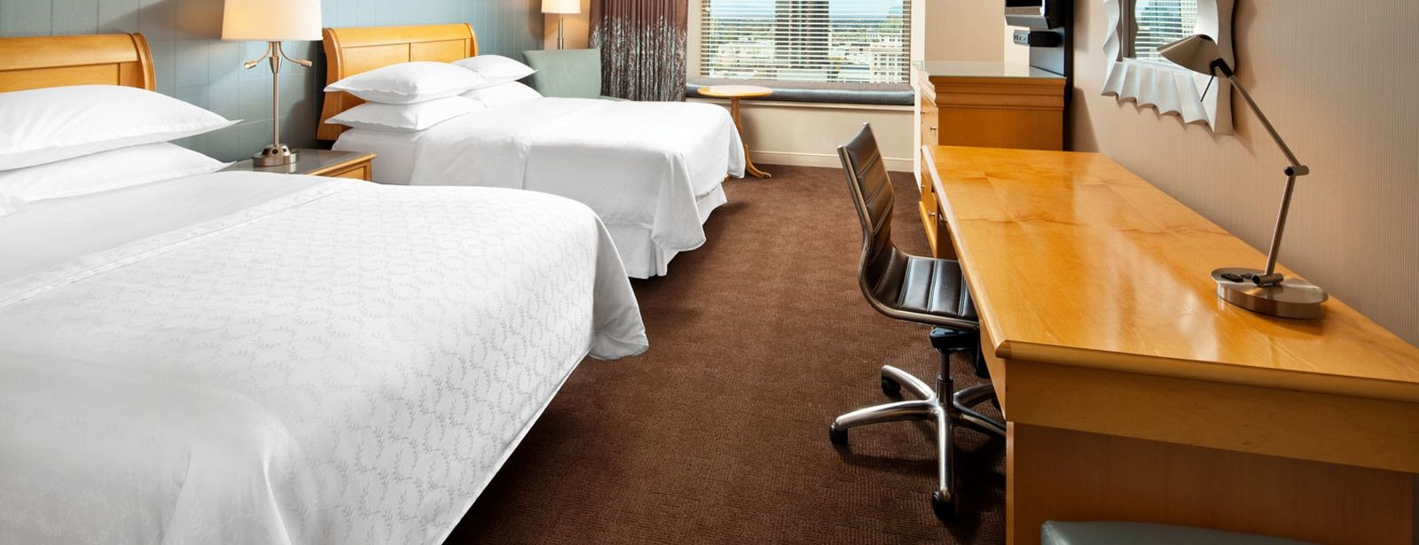 Sheraton Grand Sacramento Hotel  – Traditional Room